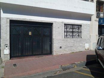 Vendo Casa Colón a metros de Sán Martín.