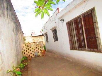 Vendo Casa zona San Luis y Moreno, todos los servicios