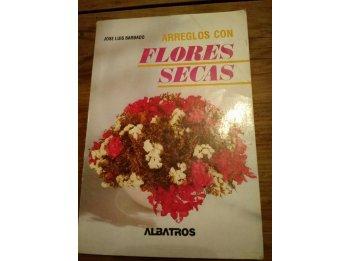Arreglos con flores secas LIBRO