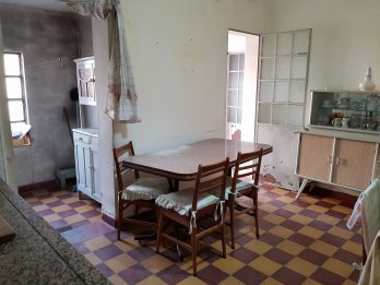 VENTA CASA 3 Dormitorios, 1 de servicio – Zona Av. Almfuerte