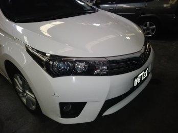 Vendo Toyota XEI 1.8 cbt Full 2015