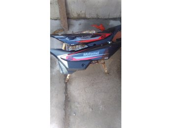 Vendo cachas bajo asiento SKUA 150
