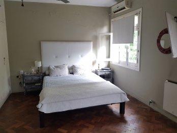 VENTA CASA 3 Dormitorios + LOCAL COM - Plaza Saenz Paña