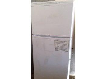 Heladera con freezer vendo!