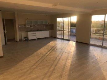 Candiotti y Uranga, amplio departamento, dos dormitorios