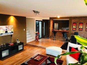 Hermosa Casa de 4 dormitorios. Barrio Lomas del Golf