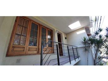 Alquiler Casa Planta Alta 3 Dormitorios Patio Con Parrilla
