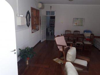 Vélez Sarsfield y Mitre, CASA EN P.A, tres dormitorios