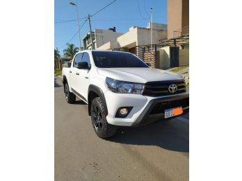 IMPECABLE 2018 4X4 AUTOMATICA LIMITED 27 MIL KM