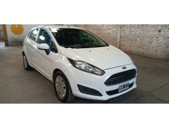 Vendo Ford Fiesta Kinetic 1.6L S. Permuto Financio
