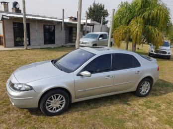 laguna 2.0T nafta con 170hp  caja 6ta manual privilege plus