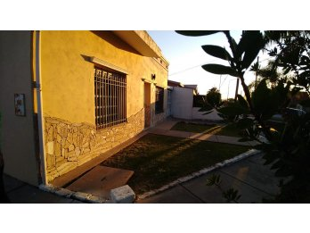 VENDO IMPECABLE CASA J. NEWBERY.PARANA