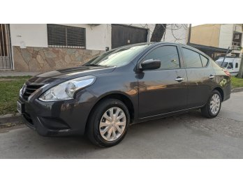 Vendo Nissan VERSA - 1.6 Sense MT (107cv) 4Pta MODELO 2015