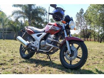 Honda Twister, impecable estado. Con manual y herramientas!