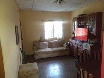 VENDO Muy linda Casa 2 dormitorios zona Newbery y Garrigó