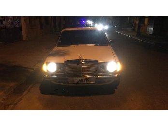 Vendo Mercedes Benz 300d