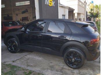 C4 Cactus Black impresionante