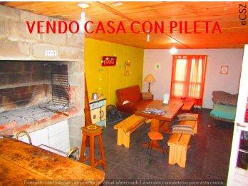 VENDO CASA CON PILETA Y QUINCHO, SAUCE MONTRULL