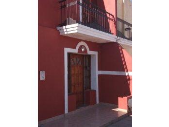 Alquilo casa 2 D 15000