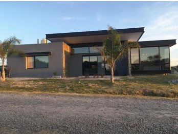 Casa en venta en Lopez Jordan