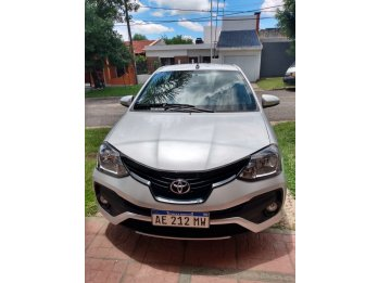 Vendo Toyota Etios xls full 2020 con solo 400 kms reales