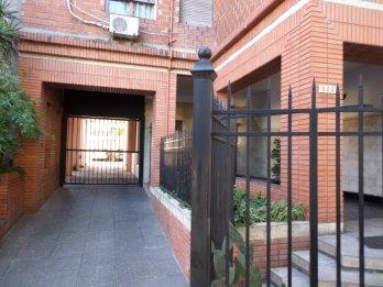 Se alquila Dpto. 3 dormitorios en Alameda y Catamarca