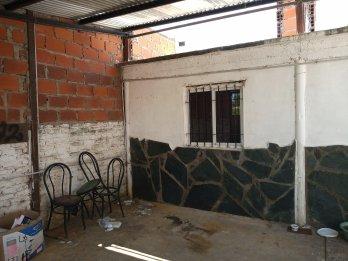 vendo linda casa en COLONIA Avellaneda