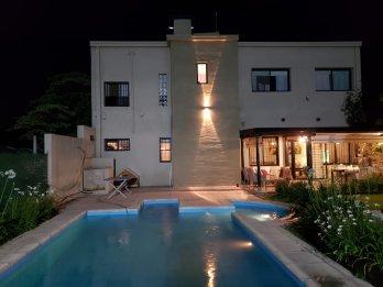 Excepcional Casa Con Piscina - Zona El Triangular