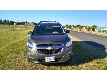 Vendo Chevrolet Spin 2015 7 asientos LTZ