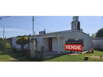Venta de casa/casaquinta en Colonia Avellaneda
