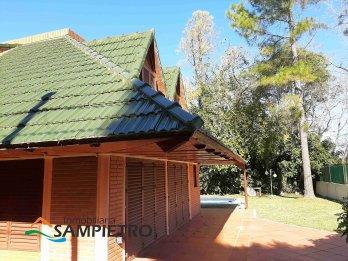 Casa quinta con pileta una cuadra de la plaza, Villa Urquiza