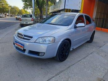 Astra II 2.0 GLS 5ptas c/GNC-2011