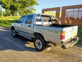 Toyota Hilux DX 4 x 4 2002 - 285000 km