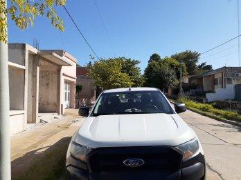 VENDO !! 🔥🔥 -FORD RANGER 4x4  -AÑO 2018 -Motor 2.2 DIESEL