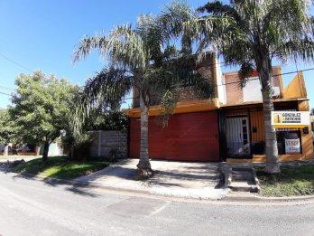 En venta hermosa casa de 3 dorm // A metros de Av. Ramírez !