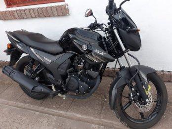 Vendo moto yamaha SZ150
