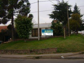 CASA EN ALQUILER EN CALLE AYACUCHO Y JOSE MARIA MORENO