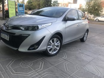 ⭐️ HERMOSO YARIS XLS 2019 25000KM 1ERA mano 3434052441 whatsa