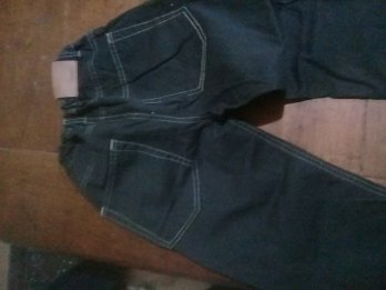 3 Jeans Mimo & Co-Kevingston y otro.