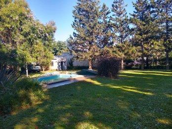 particular vende quinta en villa urquiza con amplio parque