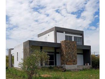 Casa Quinta espectacular vista y acceso al rio