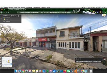 Casa Centrica 2D + cochera + patio c/ quinchito