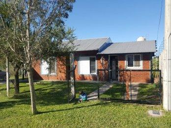 Se vende linda casa por parque industrial Paraná! LORENZON