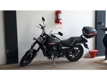 Alquilo cochera para moto