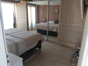 Vende: Casa 2 dorm. c/piscina. U$s72.000