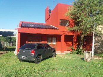 Vendo casa en Lomas de Oro Verde