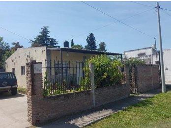 Se vende casa ubicada en calle Churruarin al final! Paraná!
