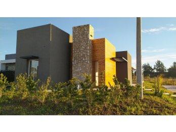 Casa 2 dormitorios. Diseño y Calidad de construcción