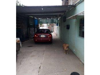Vendo sobre calle Gutierrez casa + Dptos. atencion Inversor