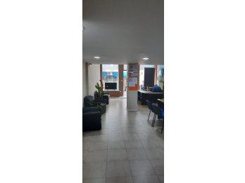 LOCAL COMERCIAL MAS OFICINAS PRIVADAS CALLE BUENOS AIRES